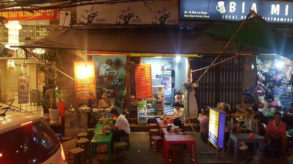 Día 215: Hanoi tiene motos y gusanos