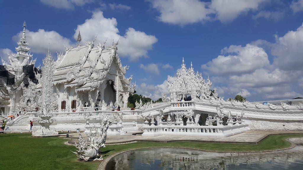 Día 242: Chiang Rai y los templos Blanco y Azul